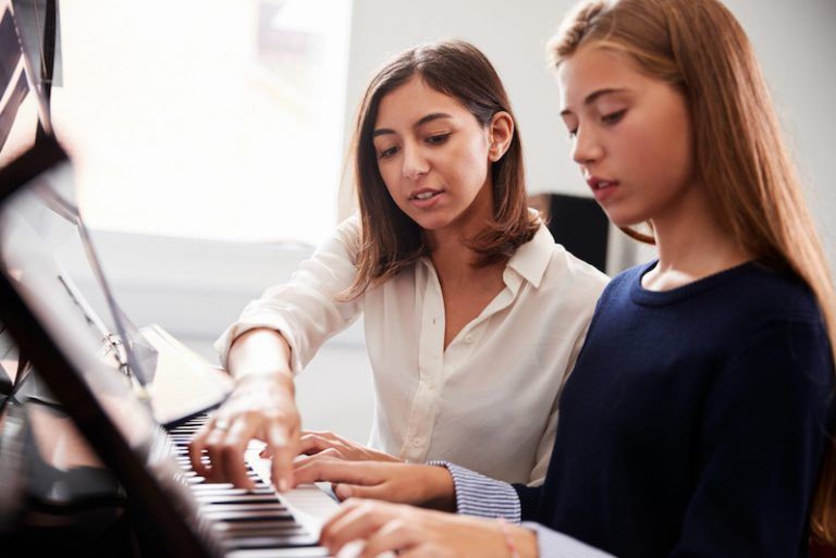 Advantages of piano lessons